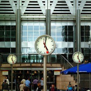 clocks-1054799_640